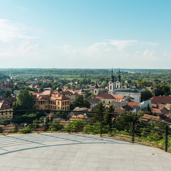 slika-u-turi-karlovci-i-manastiri-min
